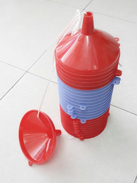 Phễu nhựa (nhỏ)