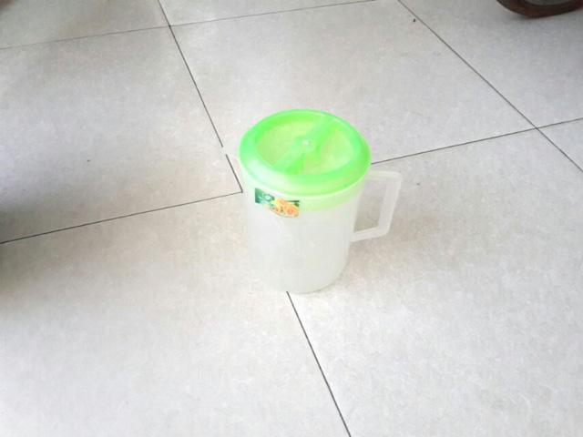 Bình đựng nước 1.6 lít